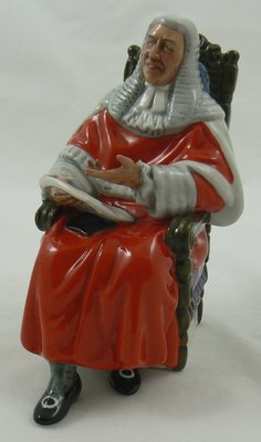 ROYAL DOULTON  SCULPTUUR